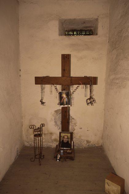Cella di Zef Pllumi - Prigione di Shkoder - Scutari - Albania. La cella dove fu rinchiuso uno dei frati francescani simbolo di questa tragedia. Il suo nome è Zef Pllumi, frate molto conosciuto per la pubblicazione di una trilogia di libri dal nome