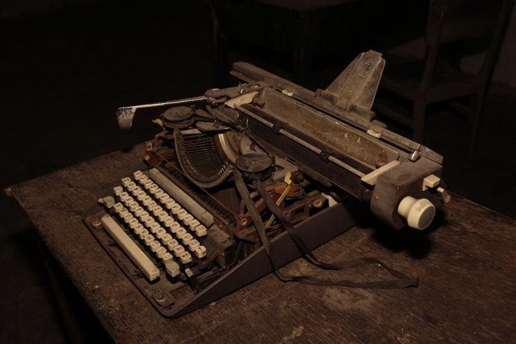 Prigione di Shkoder - Scutari - Albania. La macchina da scrivere dove venivano scritti gli atti ufficiali.
