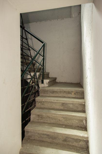 Prigione di Shkoder - Scutari - Albania. Scala che conduce al secondo piano della prigione.