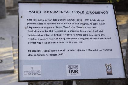 Tomba di Kole Idromenos - Cimitero di Scutari - Albania