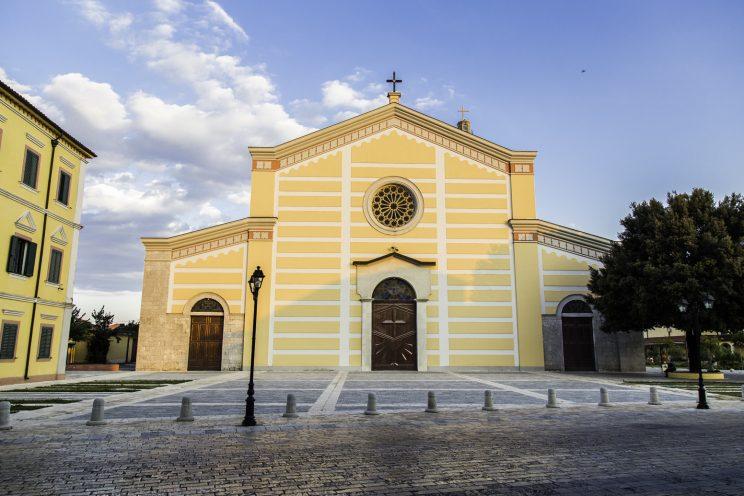 Cattedrale di Scutari - Albania. La cattedrale di Scutari fu trasformata in palazzo dello sport dal regime comunista.