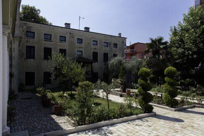 Cortile - Convento dei Francescani OFM - Scutari - Albania.