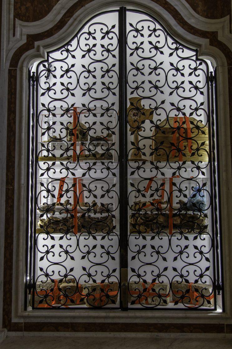 Cattedrale di Scutari - Albania. Una Teca contenente i resti di Don Dede Malaj, Dom Jak Bushati e Dom Ndre Zadeja.