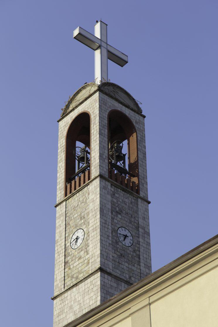 Campanile Convento OFM - Scutari - Albania. Il campanile francescano è il più alto di Scutari, superando la torre più alta della moschea vicina di 4 metri.