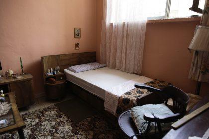 Roza Gjini - Nipote del Mons. Frano Gjini - Scutari - Albania. La camera da letto.