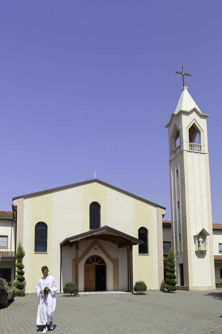 Barbullsh - Albania. La chiesa di barbullsh, dove venne arrestato l'attuale cardinale Ernest Simoni.