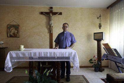 Don Leonardo Falco - Seminario di Scutari - Albania. Don Leonardo Falco è il Rettore del seminario di Scutari.  Nasce il 18/02/1970 a Saviano (NA). Diventa prete a 25 anni. Nel 92, 93 e 94 visita più volte l