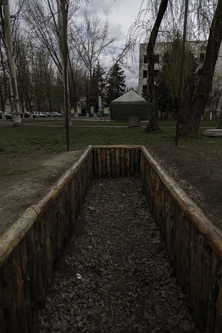 RPG-18 Mucha e APC Ucraino distrutto - Shakhtyorsk - Donetsk People Republic - 2018. Il monumento di un RPG-18 Mucha e un APC dell