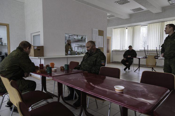 Base Operativa del Battaglione Patriot - Donetsk - Repubblica Popolare di Donetsk (Ex Ucraina - Donbass) - 2018. La colazione nella mensa della caserma.