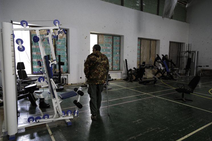 Base Operativa del Battaglione Patriot - Donetsk - Repubblica Popolare di Donetsk (Ex Ucraina - Donbass) - 2018. Sergej nella palestra della caserma.