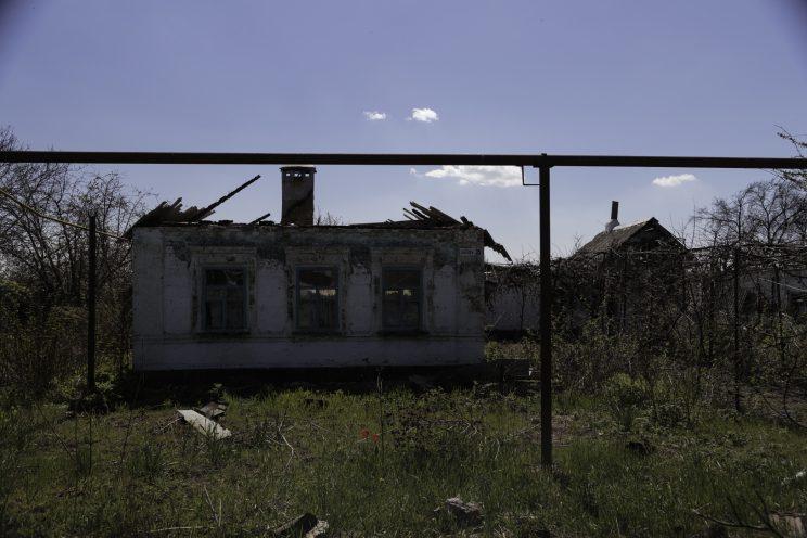 Kominternove - Repubblica popolare di Donetsk (Ex Ucraina - Donbass) - 2018. Una casa abbandonata e distrutta.