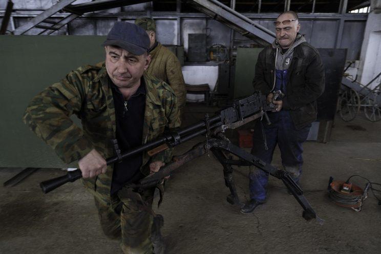 Base Riparazioni - Donetsk - Repubblica Popolare di Donetsk - 2018. Una mitragliatrice calibro 12.5 aggiustata.
