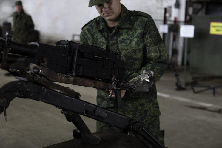 Base Riparazioni - Donetsk - Repubblica Popolare di Donetsk - 2018. Il Sergente Nikolai.